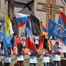 O Genocídio Armênio foi formalmente reconhecido por muitos parlamentos, governos, chefes de estado, assim como acadêmicos e organizações acadêmicas e sem fins lucrativos